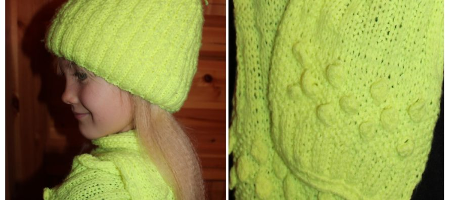 (Neon/Reflector) yellow Knitted hat & scarf