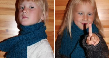 Dark Blue Knitted scarf