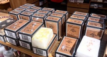 Find E&S body care products at Tallinn´s Airport – we´re in souvenirs store Goods of Estonia!